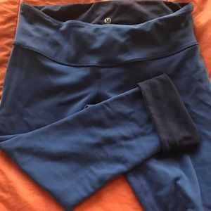 lululemon athletica Pants - Lululemon reversible crop leggings size 8